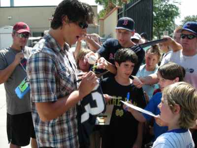 Jeff Samardzija signs autographs